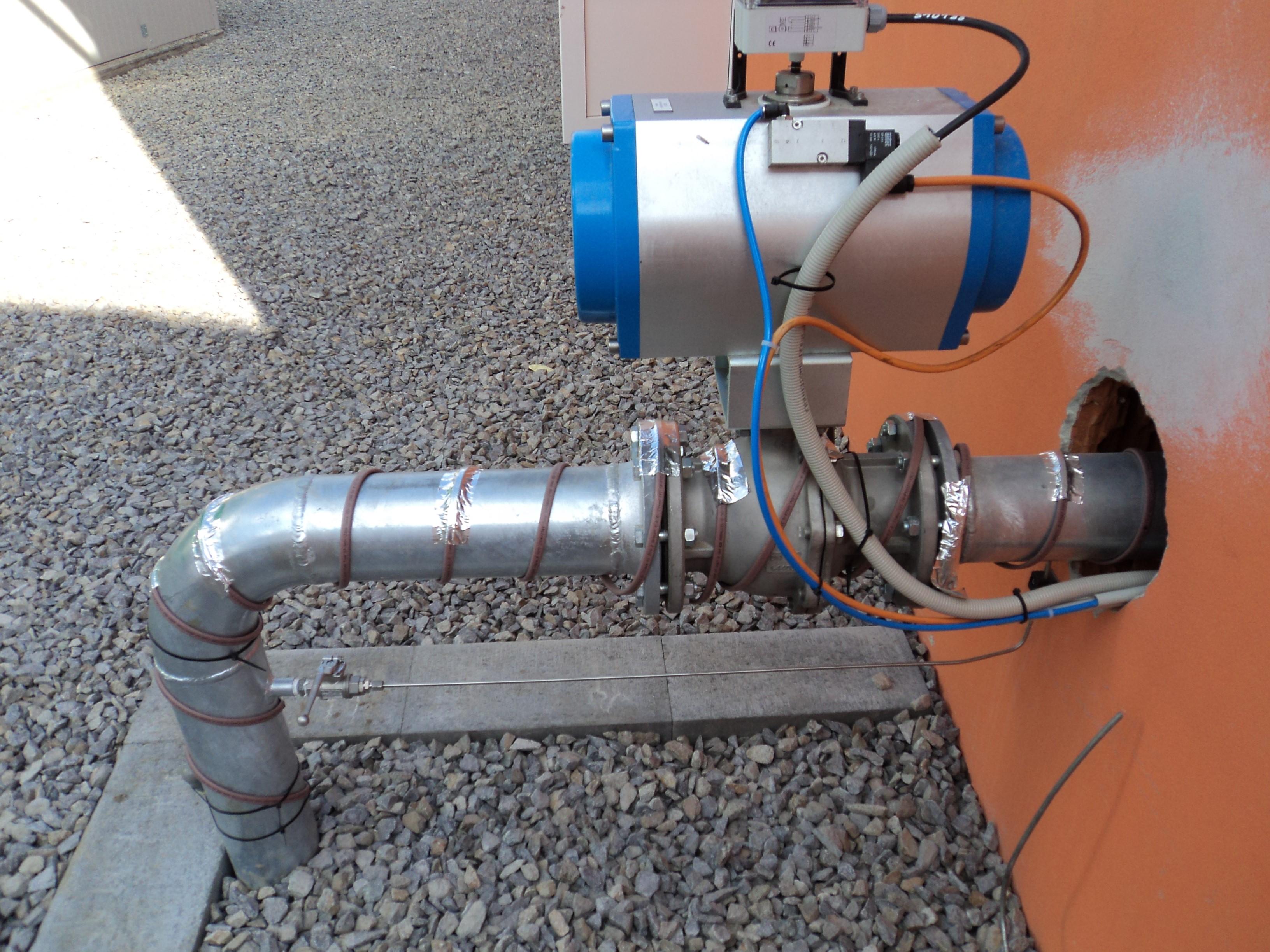 Obr. č.3 Instalace topných kabelů na potrubí